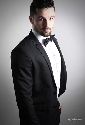 Handsome Beautiful People One Person Standing One Man Only Formalwear Suit Young Adult Adults Only Tuxedo Only Men Well-dressed Men People Adult Portrait Real People Charming Photo Photographer Photography Photooftheday