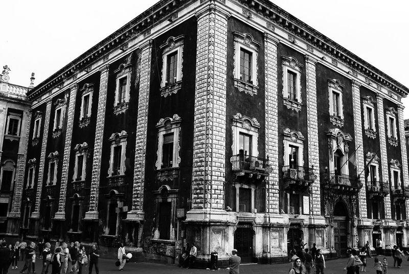 Palazzo del Seminario dei Chierici Catania Sicilia Streetphoto_bw B&w Pietralavica Architecture Barocco Siciliano Duomo Black & White Melior De Cinere Surgo
