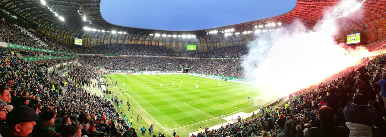 Lechia Gdansk Stadion Legia Warszawa  Arena Football Sport Large Group Of People People Outdoors Match - Sport Green Color Stadium Sky Sports Team