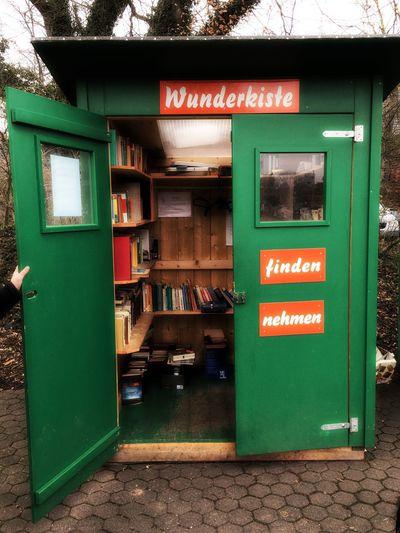 Green Color No People Architecture Day Food Outdoors Kiste Wunderkiste Fundbüro Bücher  Bücherregal Bibliothek öffentlich Ständer