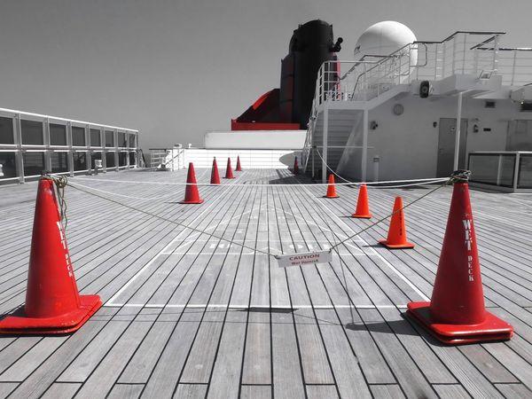 Cones Decklife Queen Mary 2