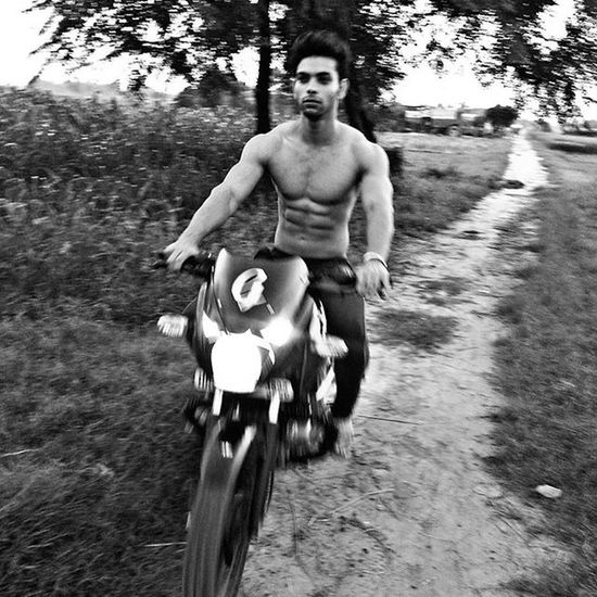 Bikeride Village Farm Blackbeast Pulsar Aesthetic Aestheism Sixpack Ripped Actor Model FitnessFreak Fitnesspeople Bollywood Winters Beardlove Noshavenovember Fun Stayfit Cleaneating Staystrong Winters Likesforlikes