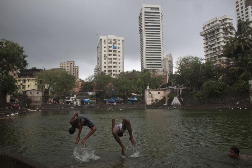 Banganga India Jump Jumping Lake Mum Mumbai MumbaiDiaries Water Watertank