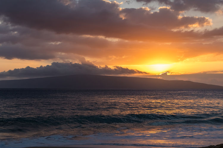 Hawaii Maui Orange Wave Beauty In Nature Cloud - Sky Island Mountain Nature No People Outdoors Scenics Sea Sky Sun Sunlight Sunset Tranquil Scene Tranquility Water Waterfront Paint The Town Yellow The Week On EyeEm