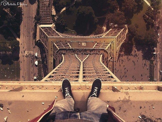 WOW Amazing Tour Eiffel Enjoying The View