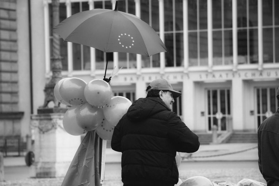 Demonstration to save the European Union borders. Architecture Baloon Blackandwhite Blackandwhitephotography Brexit Demonstration Eu Europe European Union Germany Munich München Streetphotography Umbrella