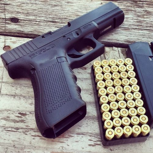I don't think I ever posted this picture of my GLOCK Gen4 Glock17 Pistol and Ammo . Gun