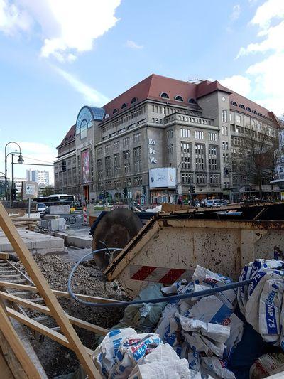 KaDeWe - net immer schee DDR DDR-Relikt Kadewe Kaufhaus Des Westens (KaDeWe) Kaufhausdeswestensberlin My Point Of View Trash Historic
