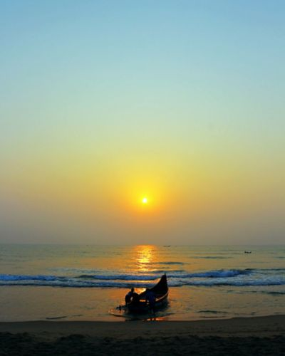 Sea Nautical Vessel Sun Water Outdoors Horizon Over Water Beauty In Nature Outdoor Pursuit Beach People Day Scenics Morning Motivation  Freshness Dawn Of A New Day Beach Life Fiserman Life Fishing Boat Sky Nature Golden Beach Nature Fishing Beauty In Nature Bay Of Bengal Been There.