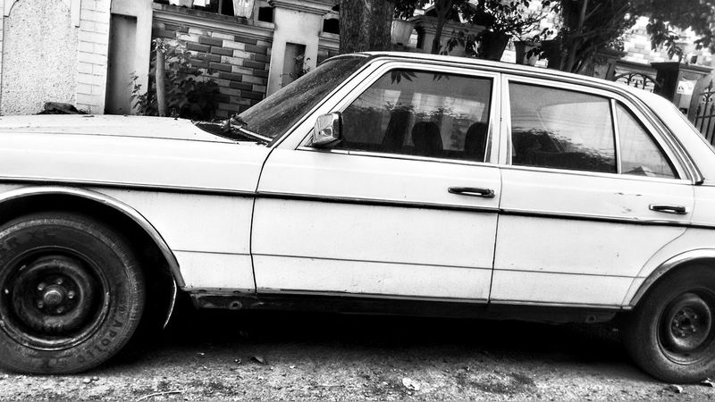 Car Transportation Mode Of Transport Land Vehicle Stationary Retro Styled Outdoors Tire Day No People Classic Cars Carspotting Beauty White Color Black And Chrome B/W Photography Hdr Photography Mercedes Landscape