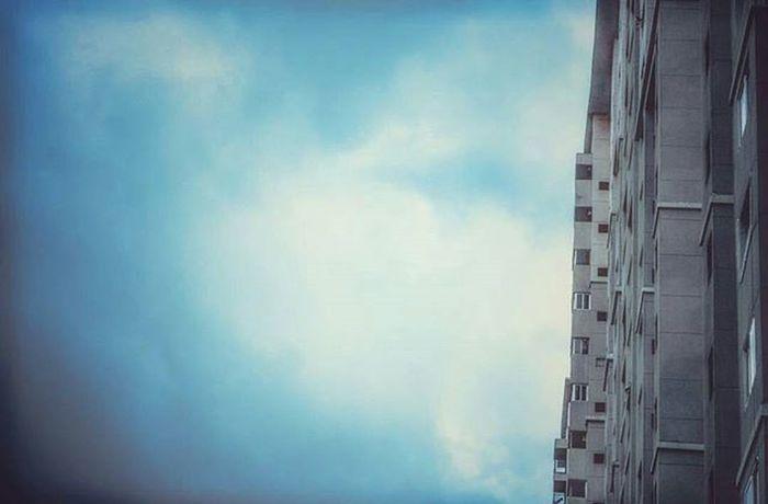 Picturesque. Clouds Skyporn Buildings Incredible Nammabengaluru Indiaclicks Incredibleindia Namma_karnataka Ig_karnataka PhotographyLove Instadaily Photooftheday