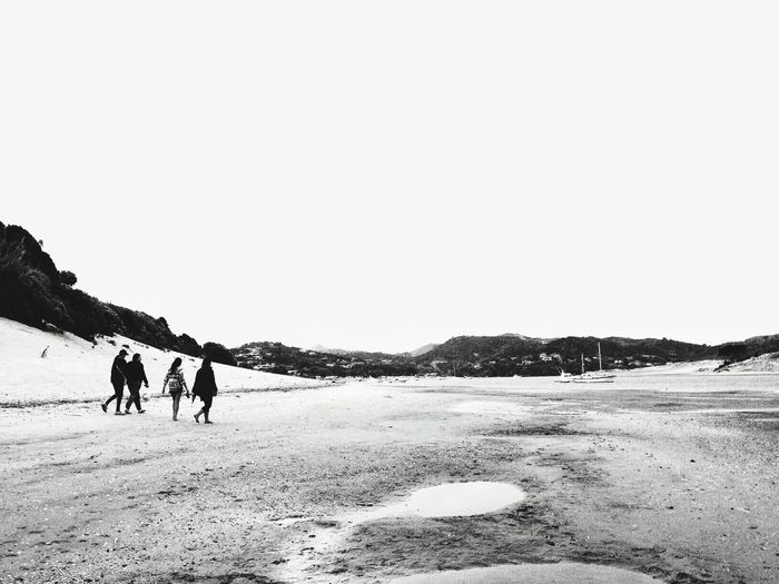 Friends. IPhoneography New Years Eve Blackandwhite Snapseed Open Edit Friends Landscape Beach Life Is A Beach Seascape Seaside Black And White B&w People Walking Around Youth Of Today IPS2016White The Great Outdoors - 2016 EyeEm Awards