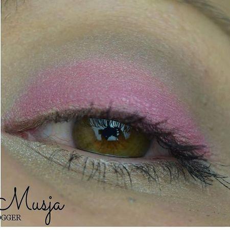Amu mit der @catricecosmetics_ quattro Eyeshadow aus der Graphic Grace LE http://ladymusja.blogspot.com Amu Makeuplover Makeupartist Catrice Catricecosmetics Graphicgrace Le  Bbloggers Beautyblogger_de POTD Motd Prsample Beauty Beautyblogger Pink Bloggergram Blogspot