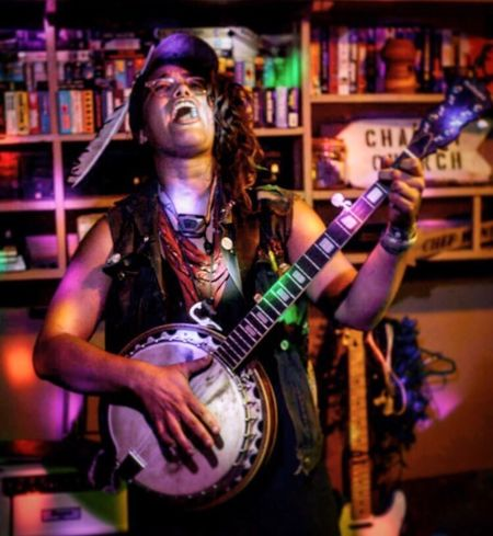 Saw Mama performance Banjo Banjo Player Folk Folk Punk Punk Guitar Electric Guitar Music One Person Rock Music Performance Playing Nightlife Singing Musician Indoors  Singer  Rock Musician One Man Only Nightclub Musical Instrument Plucking An Instrument Night Only Men EyeEmNewHere
