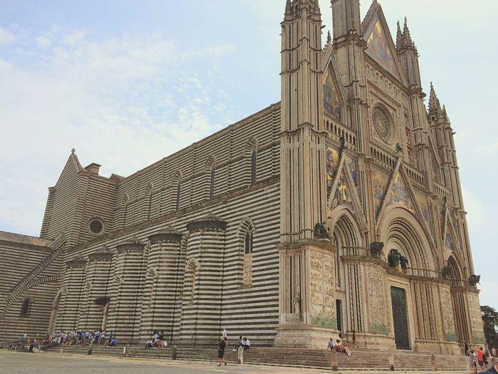 Orvieto, Italy Church Beautiful Religion Umbria, Italy Italy HillTopChruch Hilltop Walksofitaly Breathtaking Colour Of Life