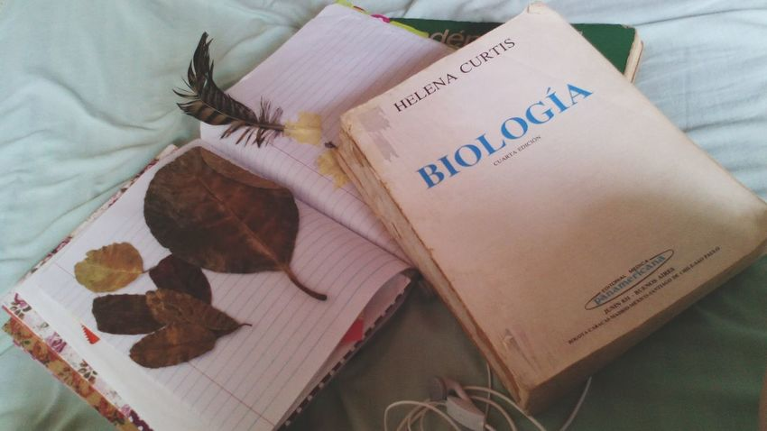 La biblia de los biologos. Helenacurtis Biology Book BiologyAlbum Nature_collection Nature