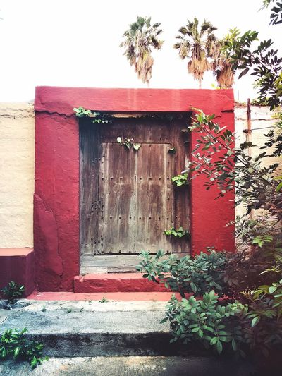 Door Built Structure Entrance Outdoors Day Red The Graphic City
