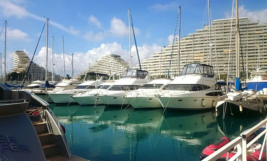 My boats standing under the sun 😎 Boats Ship Sun Harbor French Riviera Mediterranean  Sea Buildings Marina Baie Des Anges France Now follow me on 5∞px ! http://500px.com/jdanselemia