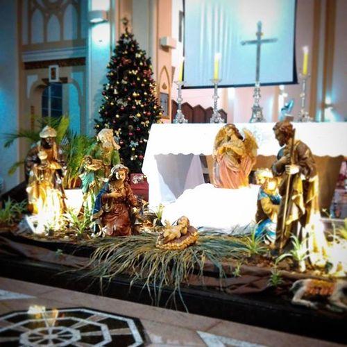Hoje nasceu para nós um salvador. Que é Cristo o Senhor. Felicidade para nós que em Cristo encontramos a Vidanova . Feliznatal NascimentodeCristo Nasceu Jesus