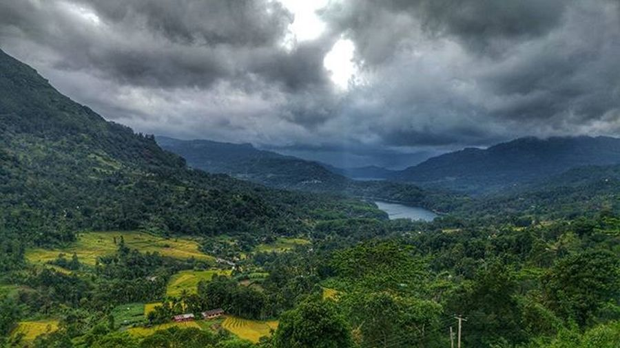 Countless brethtaking views in this country! SriLanka Bentota Nature Induruwa Templetreeresort Travel LG  G4 Camera Phonography  Photooftheday Picoftheday Wanderlust Instatravel View Visitsrilanka Dropinsrilanka Skyporn Clouds Cloudporn