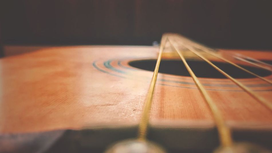 Guitar String Instrument Musical Instrument Musical Equipment Guitar Musical Instrument String Indoors  Music Selective Focus Arts Culture And Entertainment Close-up String Acoustic Guitar No People Still Life Fretboard Wood - Material Single Object Detail Woodwind Instrument Playing