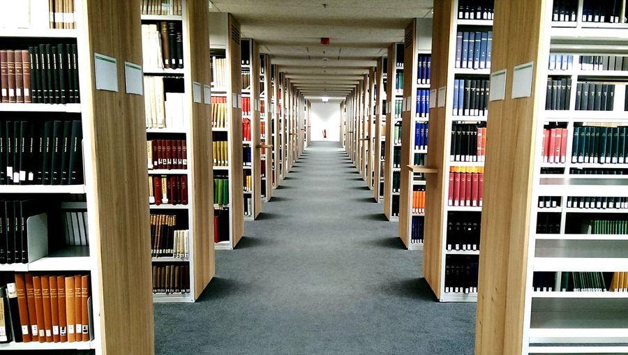VorlesungsFREIE Zeit? Uni Bibliothek Martin Luther Universität Halle (Saale)