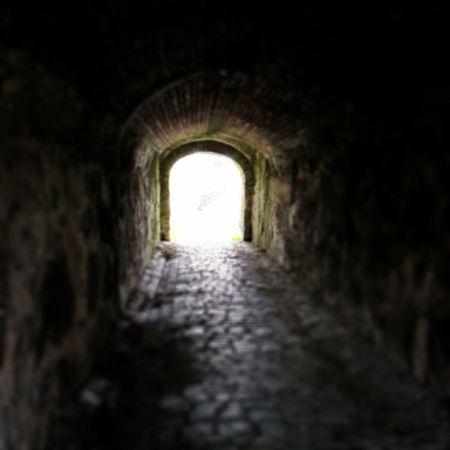 Siempre hay túnel al final de la luz para esas personas que sufren de dislexia. T únel Tunnel Oscuro Dark Darkness Shadows Luz Light Igers IgersOfTheDay IgersLpa IgersLasPalmas BestOfTheDay PicOfTheDay PhotoOfTheDay