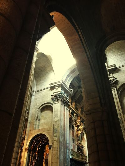 Arch Low Angle View History Travel Destinations Place Of Worship Day Architectural Column Indoors  Ancient Civilization Church