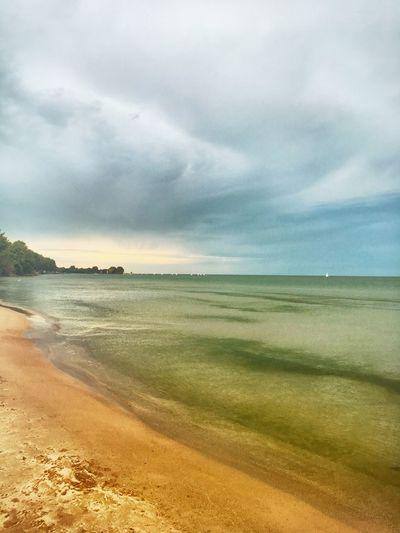 Glance. Beach