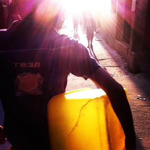 Street life ! Js Photographer Street Streetphotography People Light Shadow Dailylife IPhone Insta Photojournalism Documentary Opensociety Reportagespotlight Burndiary Featureshoot Everydayeverywhere Chittagong Bangladesh Chottogram Instagram Everydaybangladesh