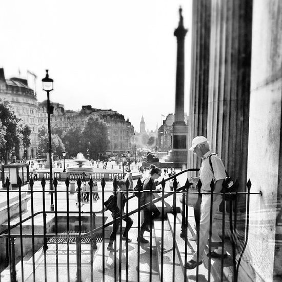London England Londonstreet Nationalmuseum aniyakala bir_dakikaobjektifimden insta_pick instamag instacool instagood instafollow instadaily igers ig_turkey turkinstagram turkishfollowers squaregram latergram
