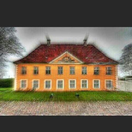 Abandoned Haunted Mansion Grimville sh_randomshots building_shotz blur hdrclubnation sfx_hdr streamzoofamily szpics rebels_united