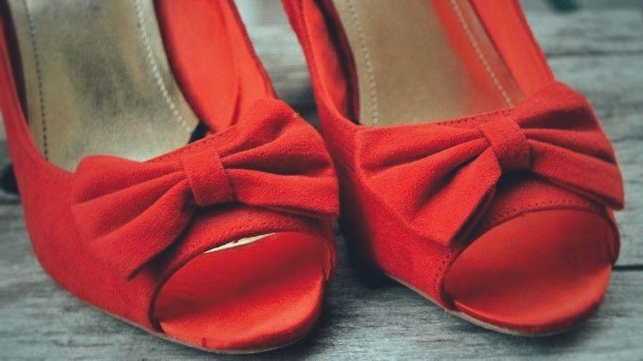 These shoes were made for dancing :) Red Gold No People Close-up Red Shoes Wood Bow HighHeels Highheelshoes Red High Heels Peeptoe Dance Dancing Shoes Beauty In Detail Shopping Time Shopping Mall New Shoes Happiness EyeEmNewHere