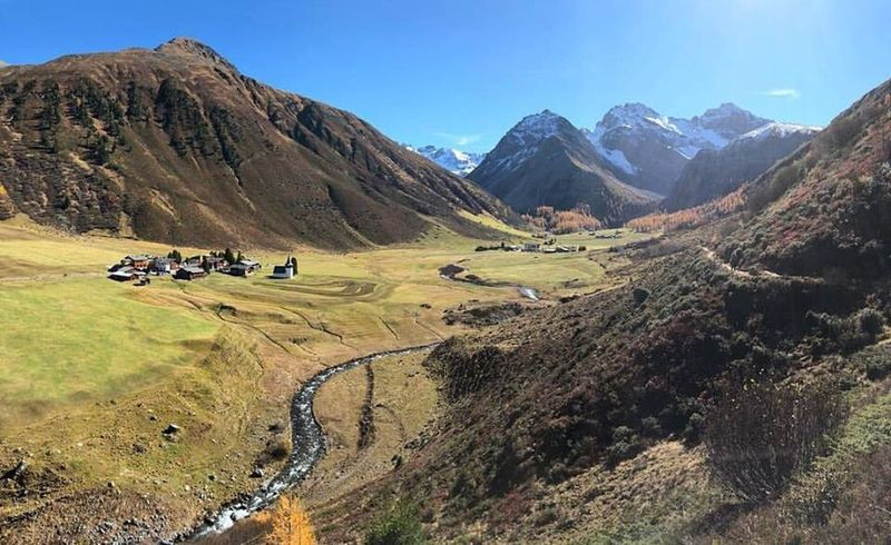 Mountain Landscape Scenics Nature Mountain Range Outdoors Grass Blue Beauty In Nature Day Adventure Sky Sertigtal Clear Sky Golf Course Postcode Postcards Perspectives On Nature