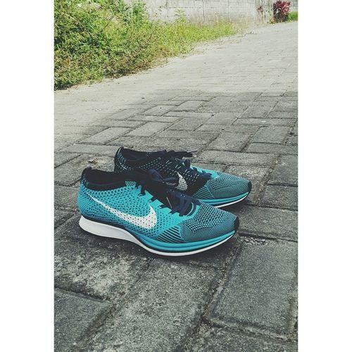 Nike flyknit racer cholorine blue Nike Flyknitracer Nikerunning