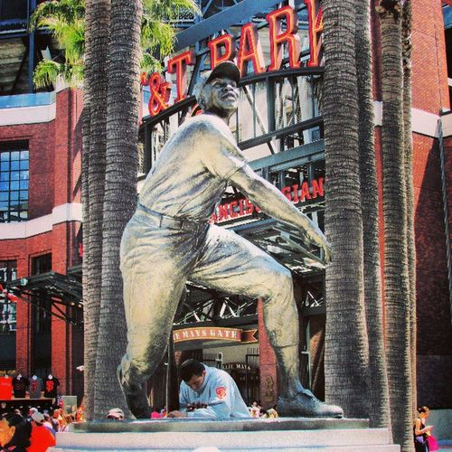 At &tpark Sayhey Williemays Statue mlb sfgiants baseball