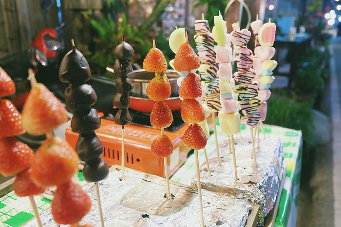 I love Storberry and Choccolate.😍😍 🍓🍫 Storberry Choccolate Chocco Candy ThaifoodThailand Trip Cheing Khan Relaxation Night Memories ThailandOnly Day Outdoors Thailand Thai Style Sweet