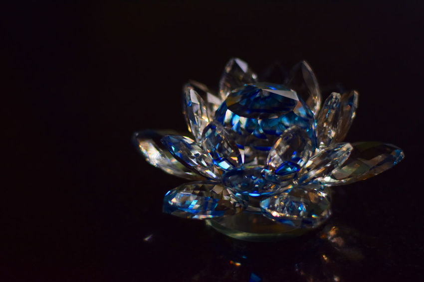 Black Background Close-up Crystal Decoration Elégance Geometric Shape Glowing Illuminated No People Ornate Studio Shot Vibrant Color