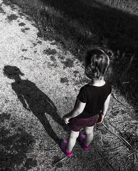 Creative Light And Shadow Children My Shadow Shadow Kids Who Are You ? Learning Exploring