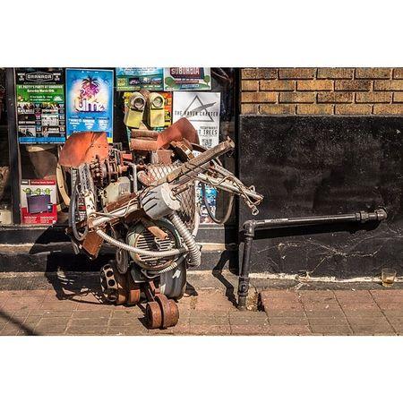 The Robot Busker Dallas Deepellum Art Sculptures dfw