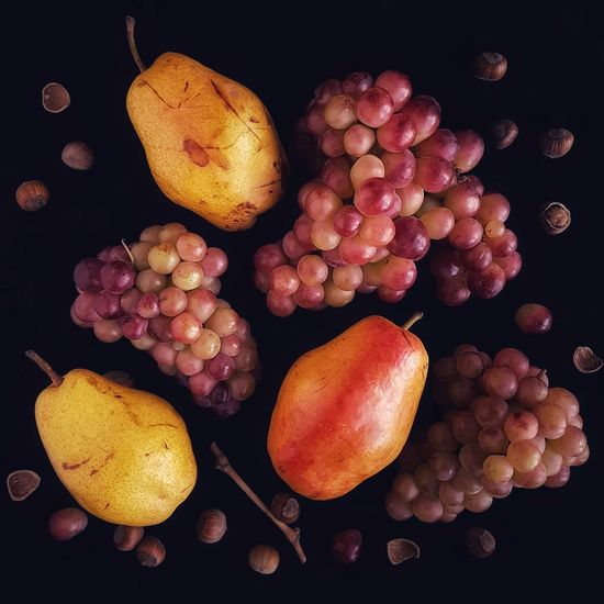 Black Background Healthy Eating No People Food Freshness Textures And Surfaces Vegetarian Food Flower Still Life Ingredient Vegetable Fruit Multi Colored Food And Drink Sweet Food Dessert Grapes🍇