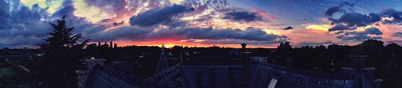 View from my rooftop! Beautiful Sunset Hanging Out Taking Photos Enjoying The View