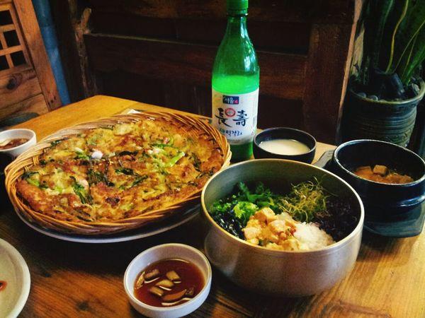 Taking Photos Beer! Korean Food 인사동