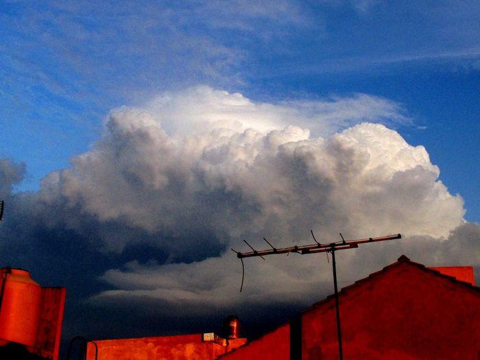 Pequeña tormenta Tormenta Perfecta Beautiful Sky And Clouds Cloudporn Storm Thunderstorm Nice Good Tormenta Nubes