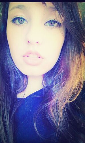 Selfie Portrait Estranha .-.