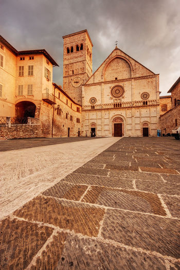 San Rufino church in Assisi, Umbria, Italy Assisi Umbria Assisi, Italy Umbria, Italy Church San Rufino Cathedral Travel Destinations Landmark City Town Medieval Architecture Built Structure Building Exterior Building Spirituality Place Of Worship Religion No People Ancient History