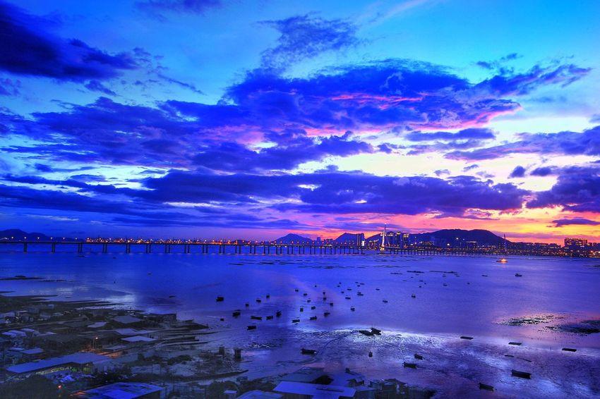 颱風山神 -燒天晚霞 深圳灣大橋 流浮山 颱風山神 Typhoon Village Water Sky Cloud - Sky Scenics - Nature Beauty In Nature Sea Tranquility Blue Nature Beach Land Tranquil Scene No People Sunset Outdoors Idyllic Dusk Night Reflection