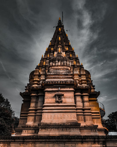 temple The Mobile Photographer - 2019 EyeEm Awards City Place Of Worship Religion Business Finance And Industry History Pagoda Sky Architecture Cloud - Sky Historic Brick Archaeology
