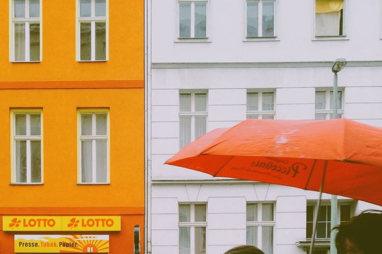 A rainy afternoon in Berlin Skrwt Architecture Streetphotography Umbrella