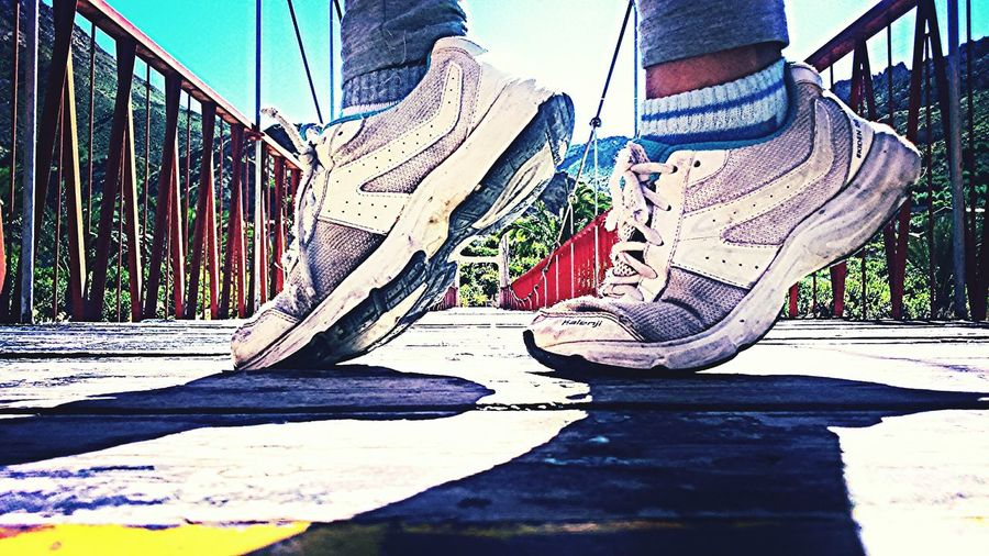 Sports Photography Running Sport Walking Walk With Me Paso A Paso Puentes Puente Colgante Shoes